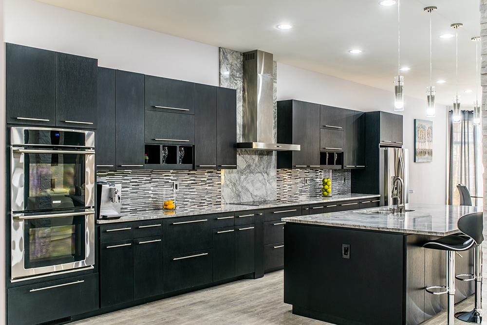 Super White Marble Countertops Matched With Dark Cabinets Gl Tile And Stainless Liances